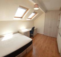 5 Bedroom House – Hyde Park