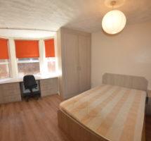 2 Bedroom Flat – Hyde Park
